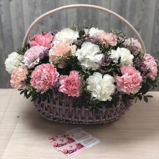 Корзина с диантусами 31шт: букеты цветов на заказ Flowwow
