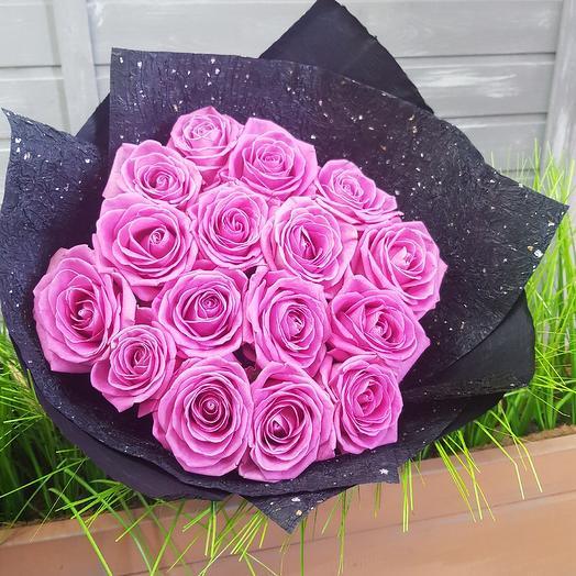 Розовый на черном