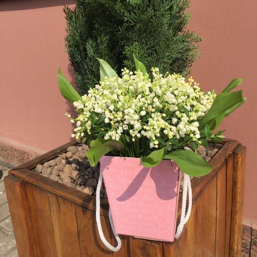 Коробка ландышей: букеты цветов на заказ Flowwow