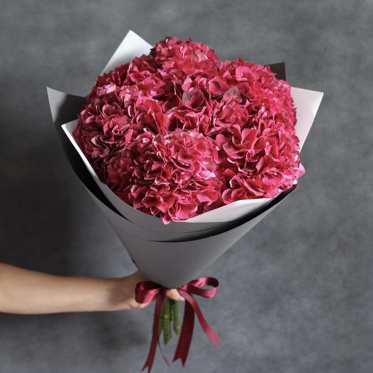 Букет из бордовых гортензий: букеты цветов на заказ Flowwow