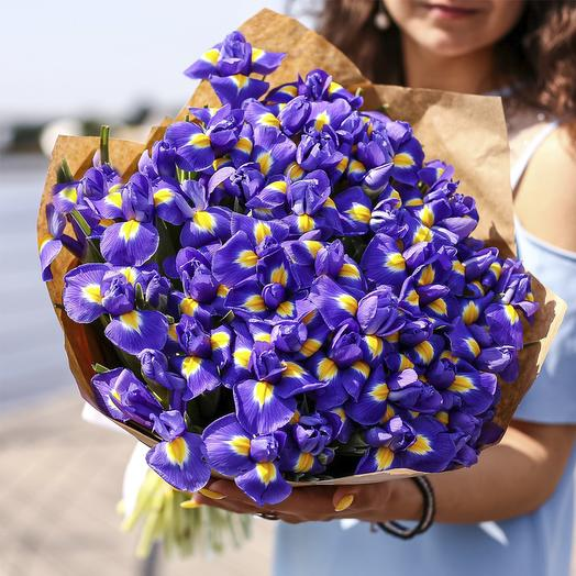 A bouquet of irises 45