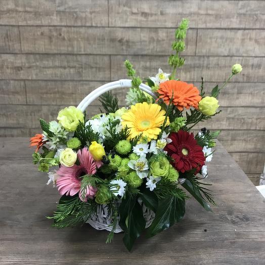 Яркая корзиночка для солнечного настроения: букеты цветов на заказ Flowwow