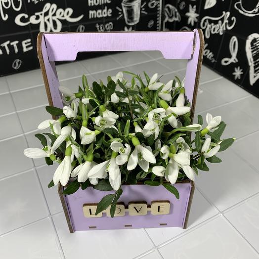 Ящичек с подснежниками 😍: букеты цветов на заказ Flowwow