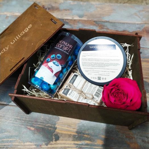 Подарочный набор в деревянной коробке: букеты цветов на заказ Flowwow