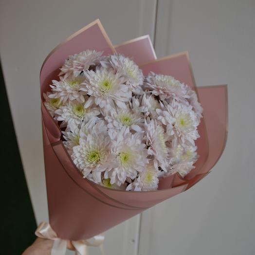 Букет нежных хризантем