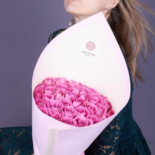 35 роз Аква премиум