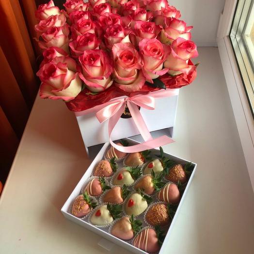 Цветы в коробке + клубника в шоколаде