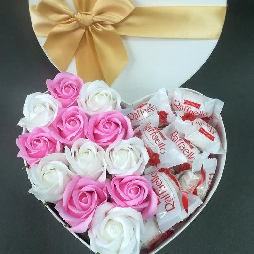 Мыльные розы с конфетами