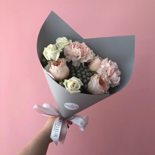 Букет с розой Джульета и брунией