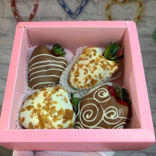 Клубника в бельгийском шоколаде 4шт