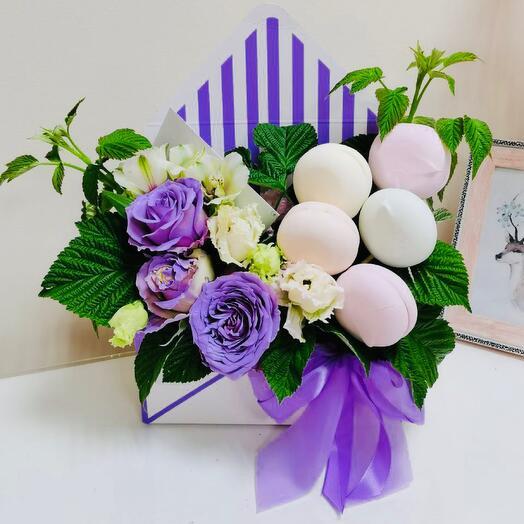 Цветы в коробке с фоанцузским зефиром