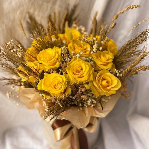 Шляпная коробка с розами «Благодатная осень»