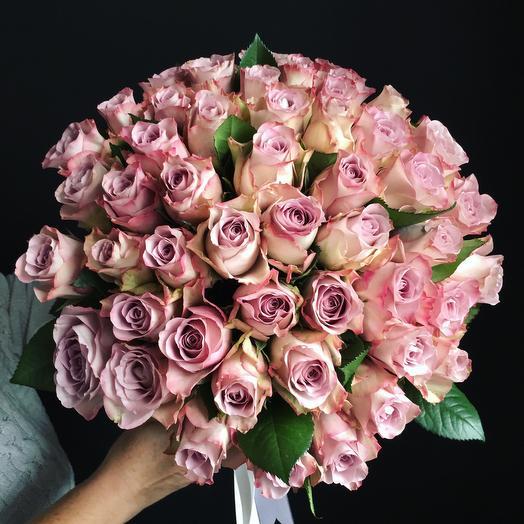 Моно букет, лиловых роз: букеты цветов на заказ Flowwow