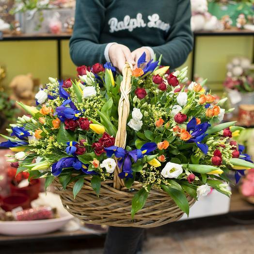 """Корзина из весенних цветов """"Наслаждение весной"""": букеты цветов на заказ Flowwow"""