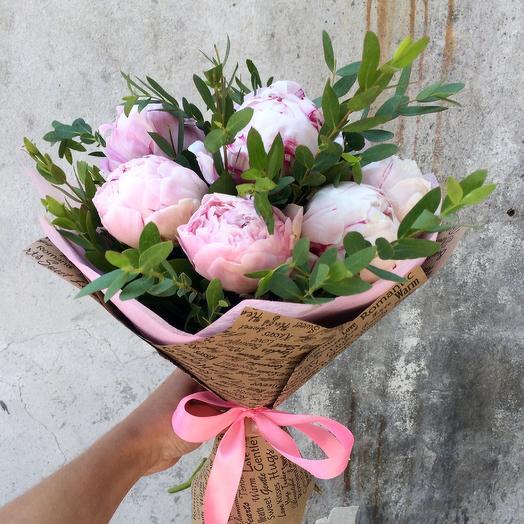 Букет из 9 пионов «Зефир»: букеты цветов на заказ Flowwow