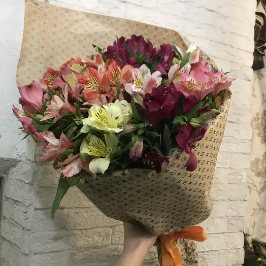 Яркая альстромерия для Вашей любимой: букеты цветов на заказ Flowwow