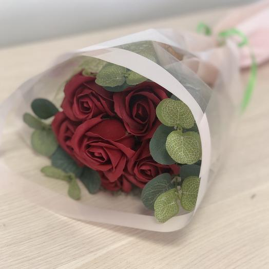 Розы мыльные бордовые: букеты цветов на заказ Flowwow