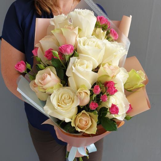 Нежный букет из роз: букеты цветов на заказ Flowwow