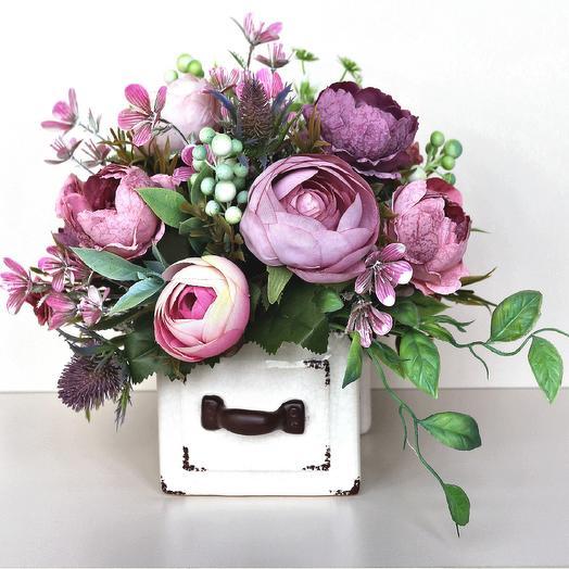 Композиция из искусственных цветов 400652: букеты цветов на заказ Flowwow