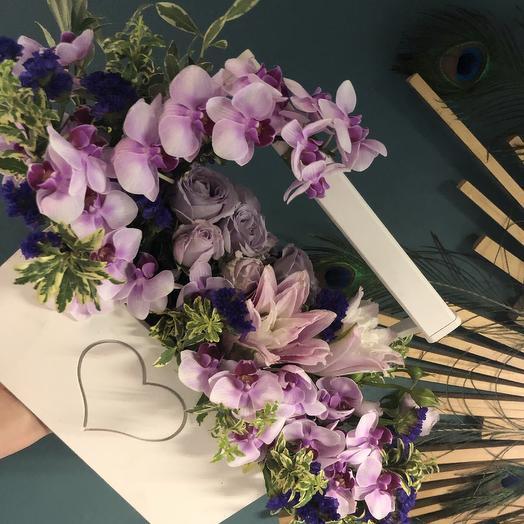 Нежный Фаленопсис: букеты цветов на заказ Flowwow