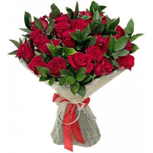 "Букет из красных роз ""Госпожа Бовари"": букеты цветов на заказ Flowwow"