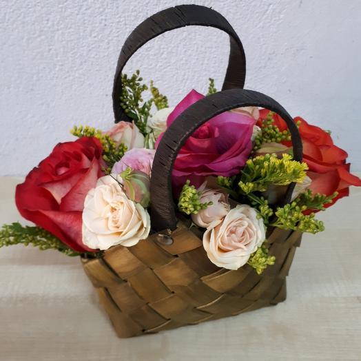 Цветы в коробке - сумочке