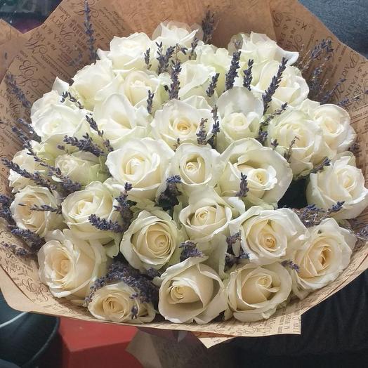 Белая роза и лаванда
