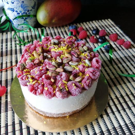 Лимонно-грушевый торт  с малиной