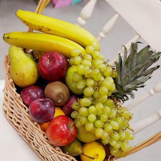 Корзина с фруктами « Экзотика »