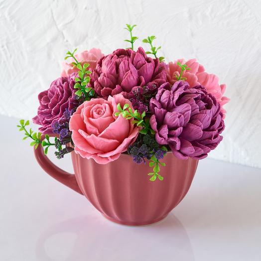 Букет цветов из мыла в керамической кружке 7 бутонов