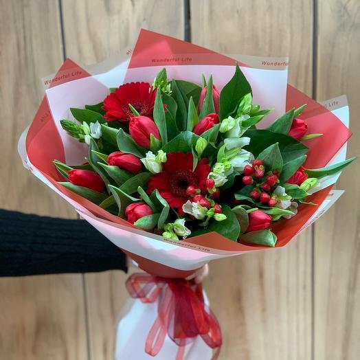 Букет с тюльпанами «Life»