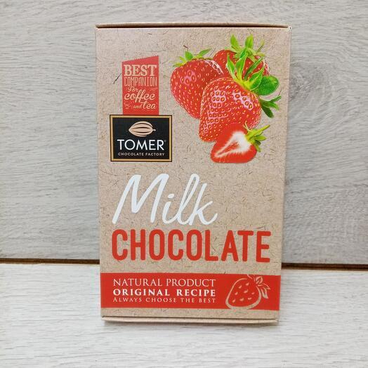 Молочный шоколад с клубникой