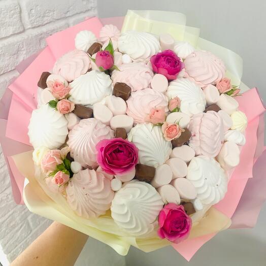 Зефирный букет с розами