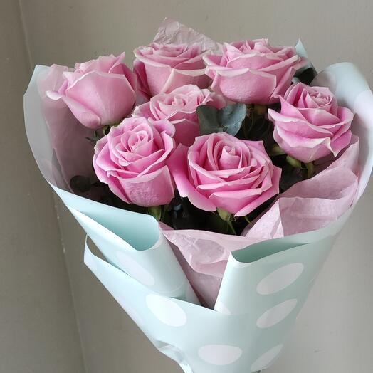 Розовая роза в оформлении