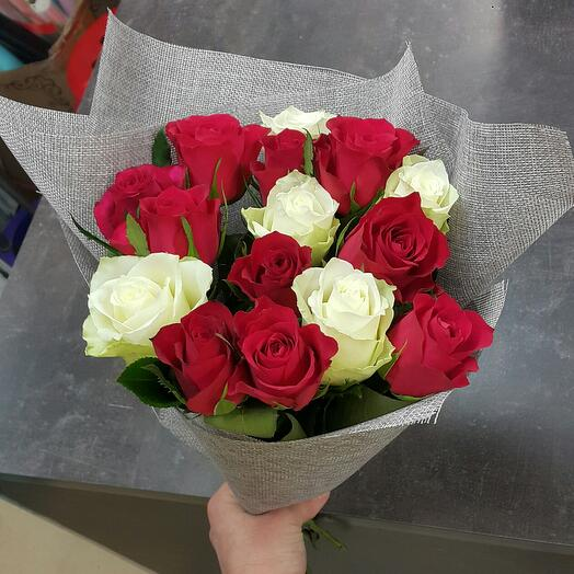 """Букет роз  """"Красное и белое"""""""
