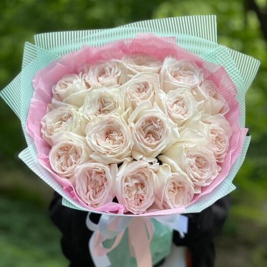 Французская пионовидная роза