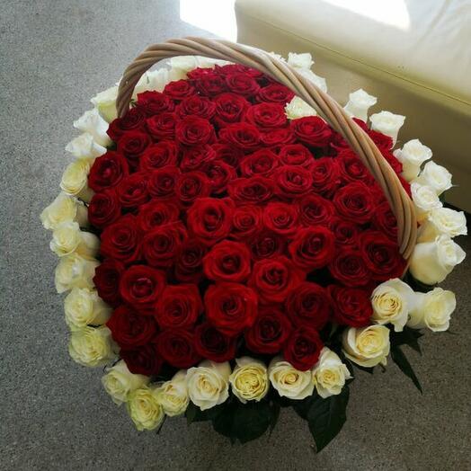 101 роза в корзине сердце