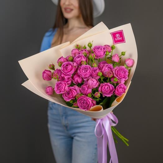 Peony-shaped roses