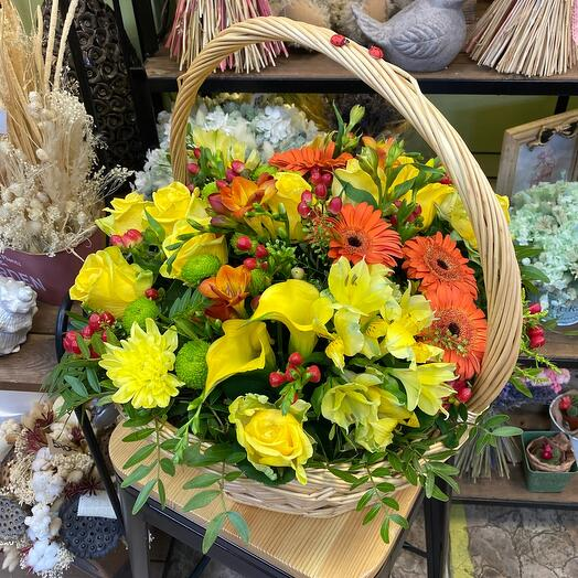 Корзина с цветами «midsummer»