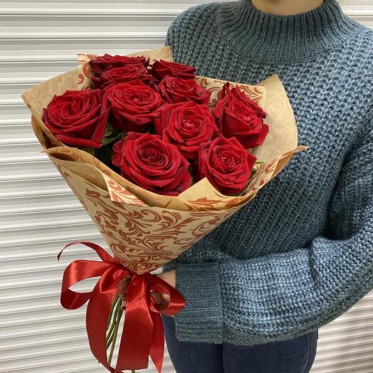 Розы 11 штук 60 см красных