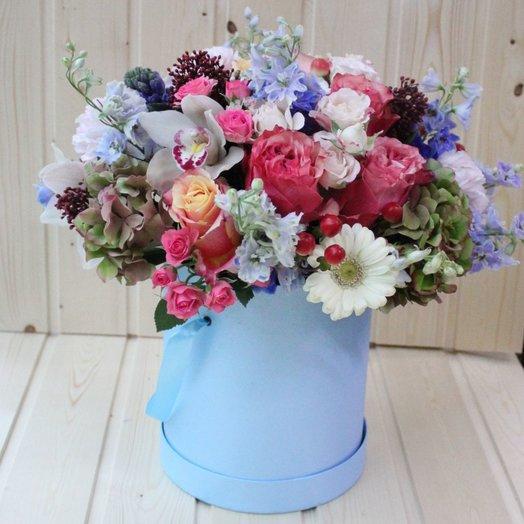 Шляпная коробка с орхидеями розами и гермини: букеты цветов на заказ Flowwow