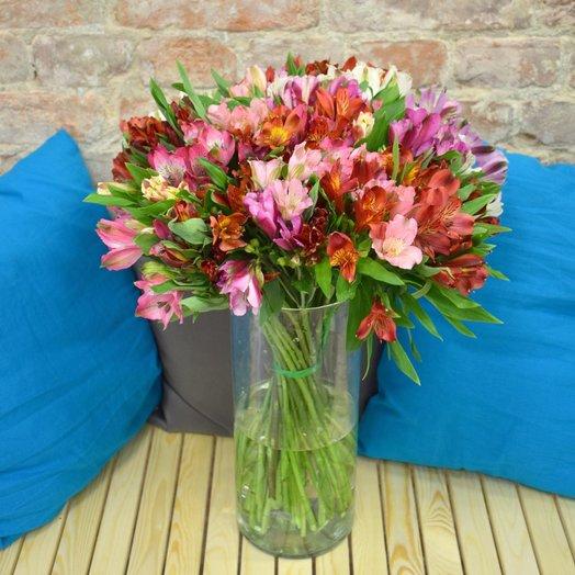 Букет из 50 разноцветных альстромерий: букеты цветов на заказ Flowwow