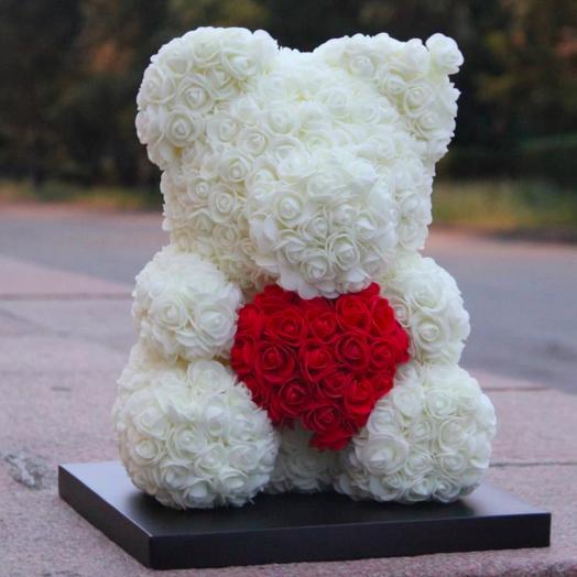 Мишка из роз с сердцем 40 см: букеты цветов на заказ Flowwow