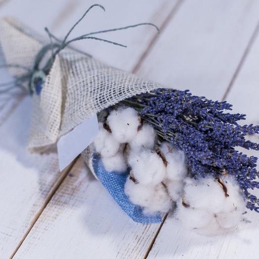 Комплимент с лавандой: букеты цветов на заказ Flowwow