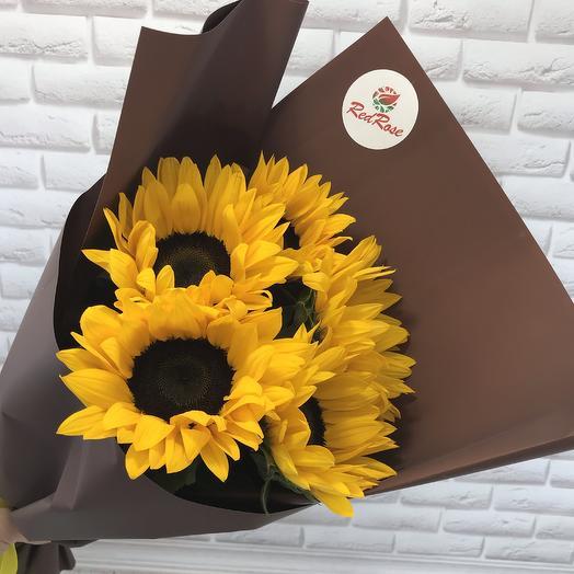 Букет из 5 подсолнухов: букеты цветов на заказ Flowwow