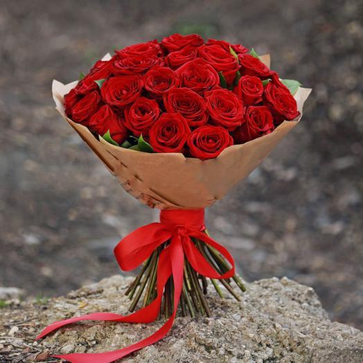 """Букет """"35 Красных Роз в крафте"""": букеты цветов на заказ Flowwow"""