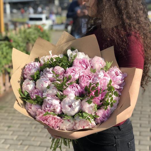 Букет из пышных пионов: букеты цветов на заказ Flowwow