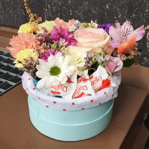Композиция из цветов любимому учителю 2181: букеты цветов на заказ Flowwow