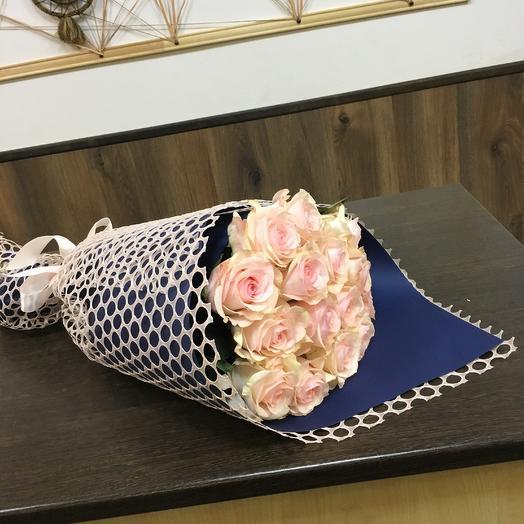 15 нежно-розовых роз: букеты цветов на заказ Flowwow