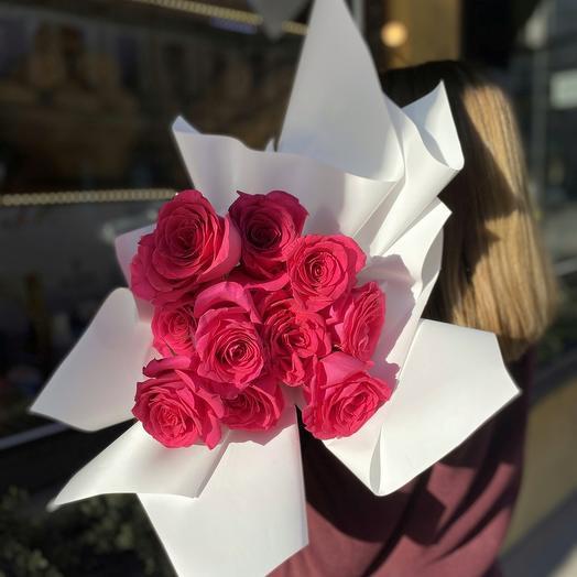 11 малиновых роз: букеты цветов на заказ Flowwow